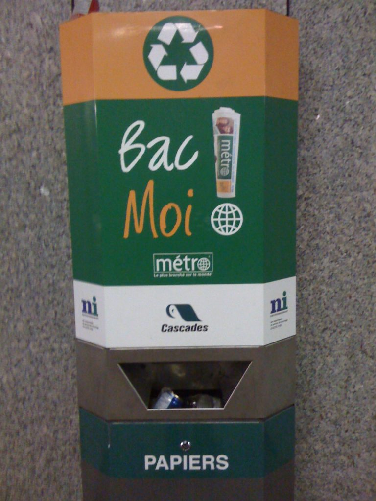 Recyclage dans le métro de Montréal