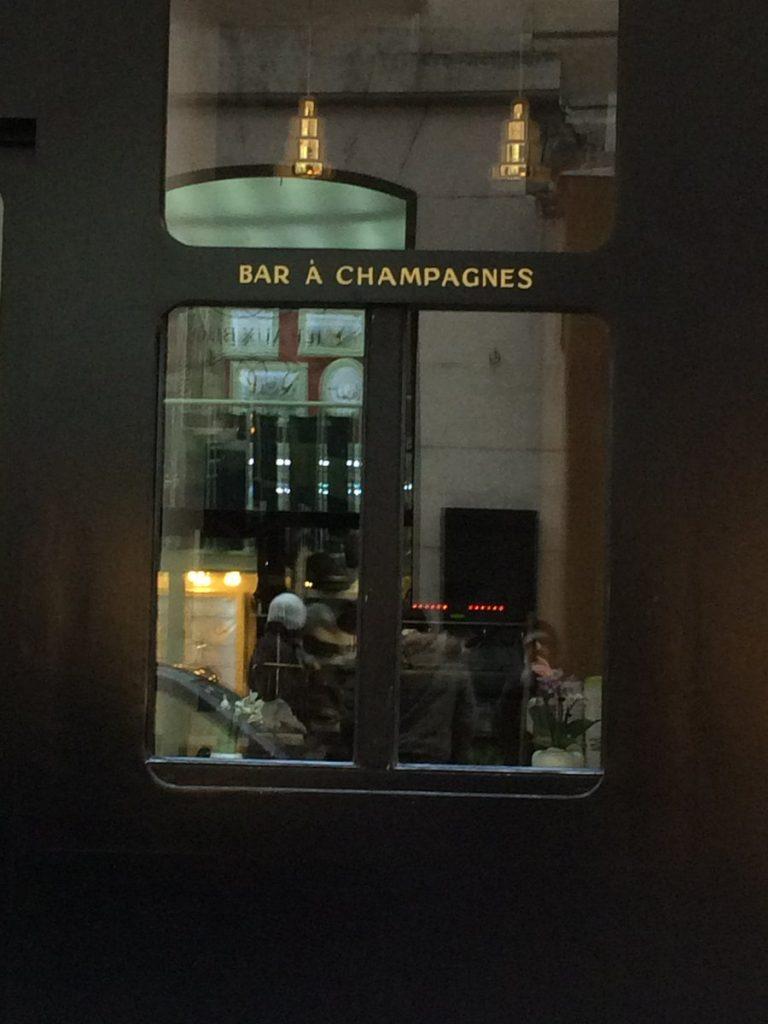 Bar à champagnes, Paris, 2016