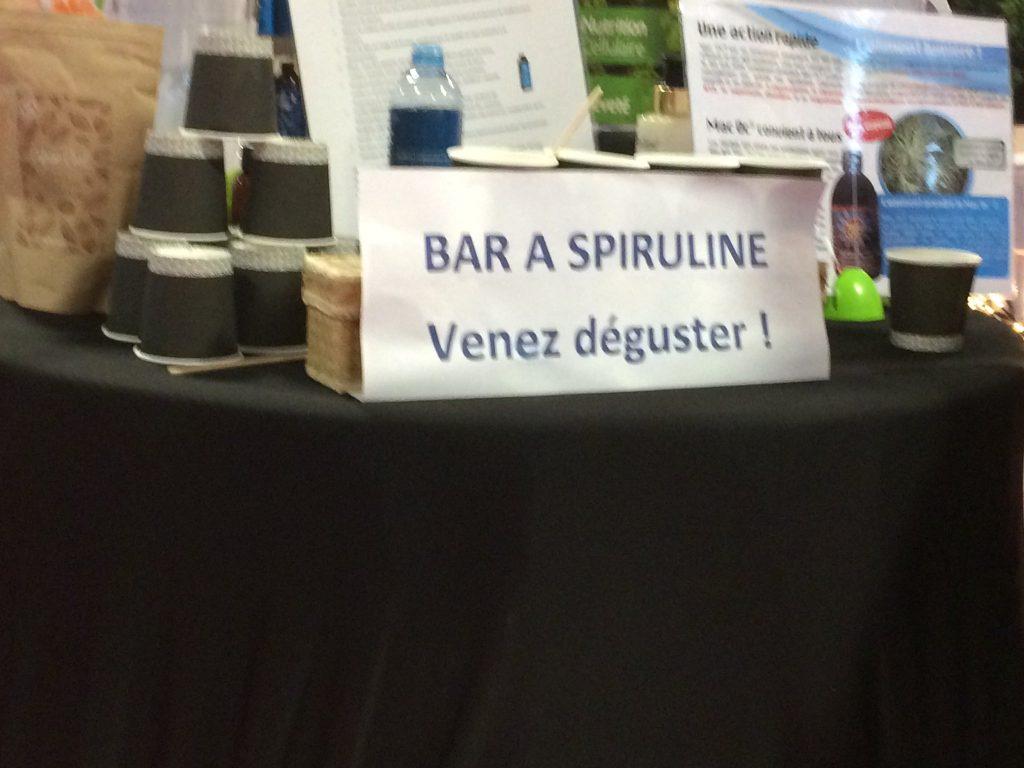 Bar à spiruline, porte de Versailles, Paris, novembre 2019