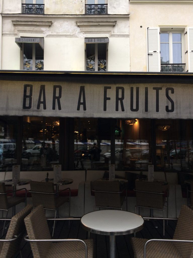 Bar à fruits, boulevard Edgar-Quinet, Paris, novembre 2016
