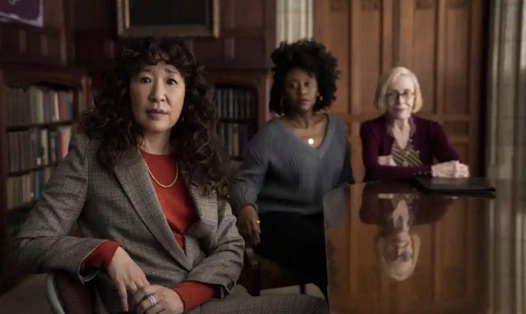 Sandra Oh, Nana Mensah et Holland Taylor dans The Chair, Netflix, 2021