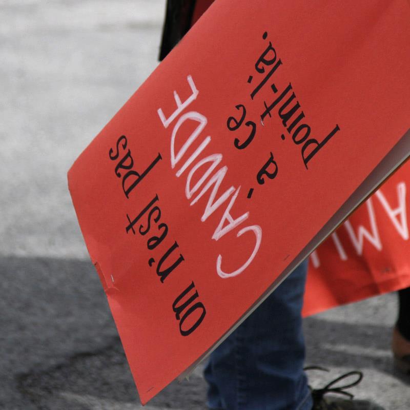 Pancarte des grèces étudiantes de 2012, photo de Lucie Bourassa